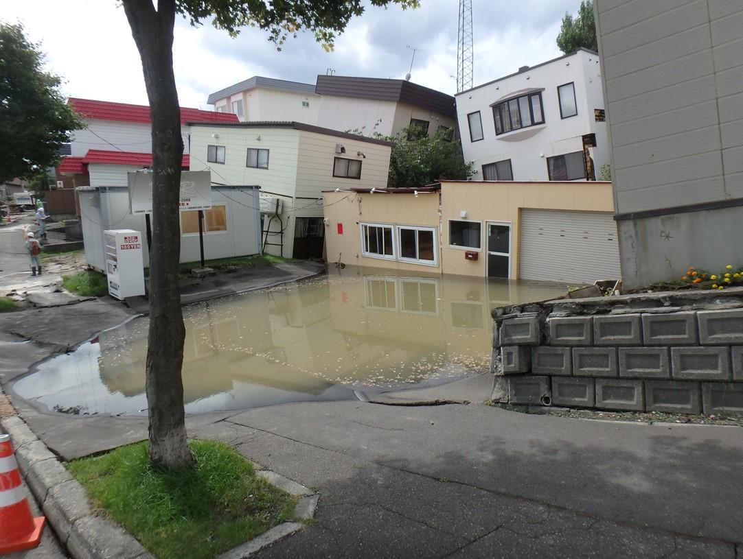 耐震基準を裏付けるのは、過去の地震被害と研究の成果
