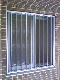 新築マンションの窓